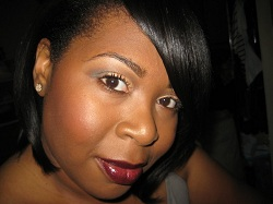 Nikkia of SilverLipsBeauty.com