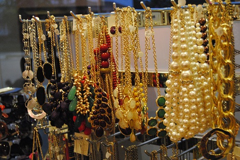 Loads of statement necklaces on display at Gossip on 23rd. (Photo: Stylin' & Profilin')